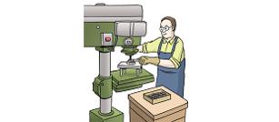 Das Bild zeigt einen Menschen vor einer Maschine.