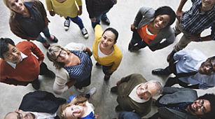 Mitgliedschaft - Das Bild zeigt eine Gruppe von jungen Menschen